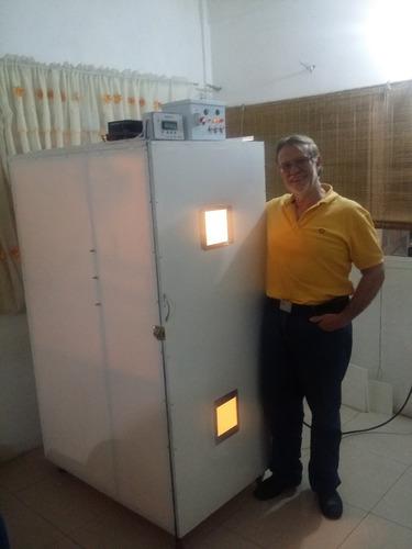 servicio fabricacion incubadora industriales automomaticas