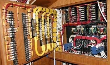 servicio reinstalacion sistemas electrico nautico