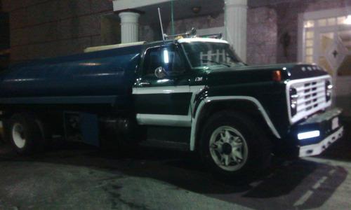 servicio, suministro, transporte de agua potable en cisterna