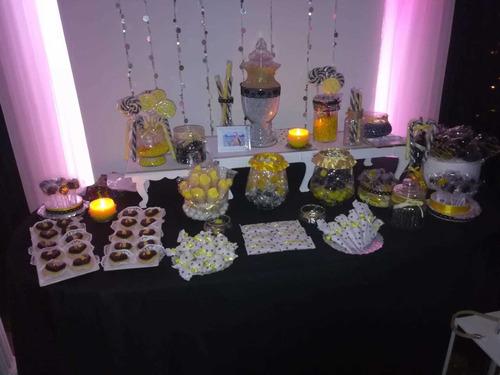 servicio y  estructuras  de  candy  bar  .  mesa   dulce