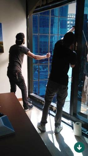 servicio y instalaciom vidrios puertas