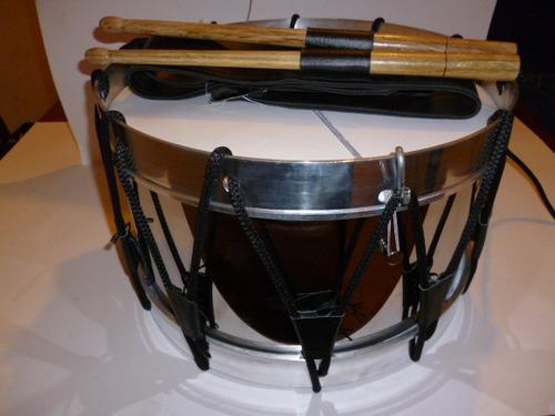 servicios de fabricacion de tambores de banda de guerra