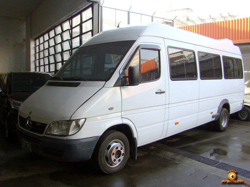 servicios de transporte ejecutivo y turistico.