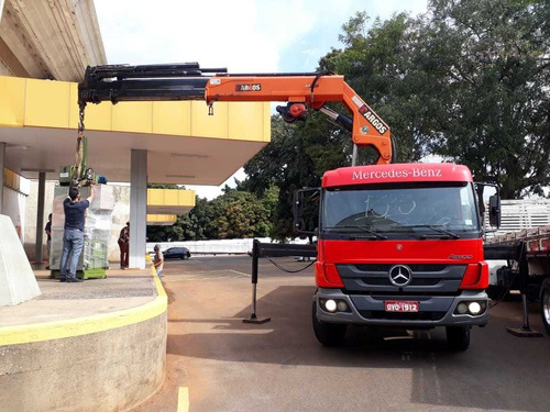 serviço de caminhão munck, guindaste, movimentação de cargas