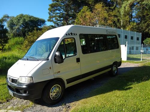 serviço de locação/aluguel/transportes com van