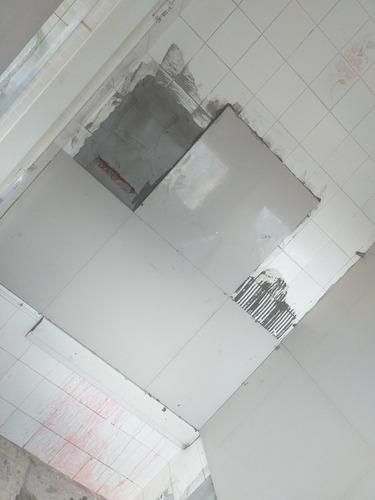 serviço de porcelanataria,piso e azulejo.