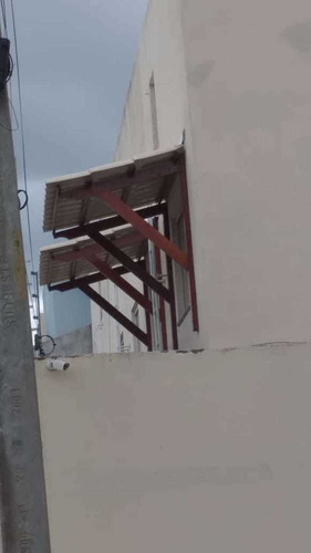 serviço  em telhado