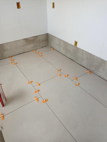 serviços de acabamento em pisos e azulejos