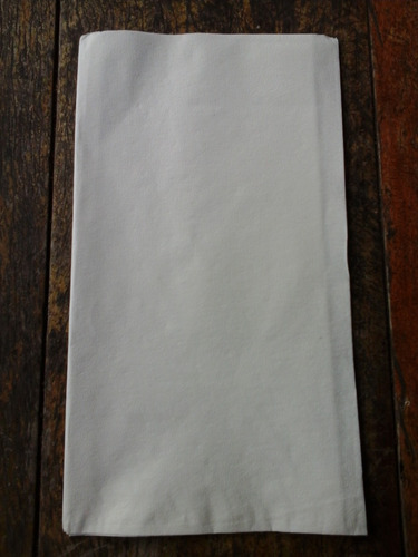 servilleta papel  semicrespado 40x33 doblada 1/6 caja x 1500