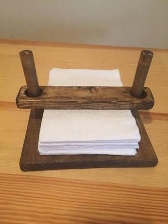 servilletero de madera.