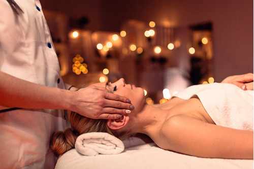 sesión de masaje relajación, masaje descontracturante, reiki