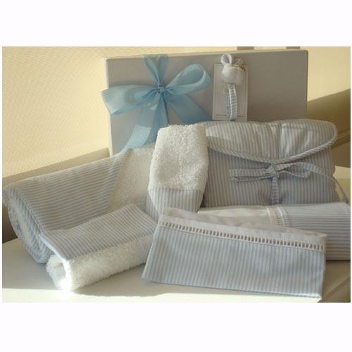 set 15 regalo en caja con ajuar para bebé recién nacido