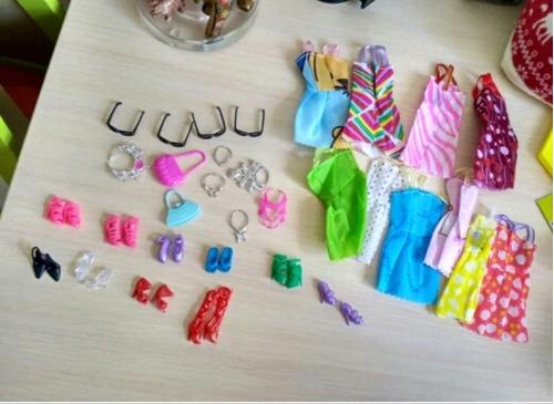 set 32 accesorios ropa para barbie