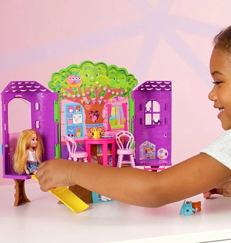 set chelsea casa del árbol muñeca