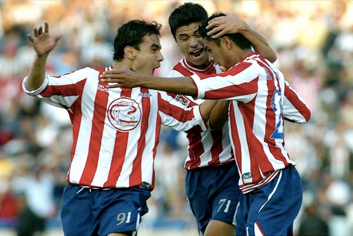 on sale 787d3 4a558 Set Chivas Centenario Ramon Morales + Parches Libertadores