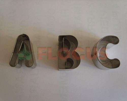 set cortante abecedario mediano flogus porcelana masa cookie