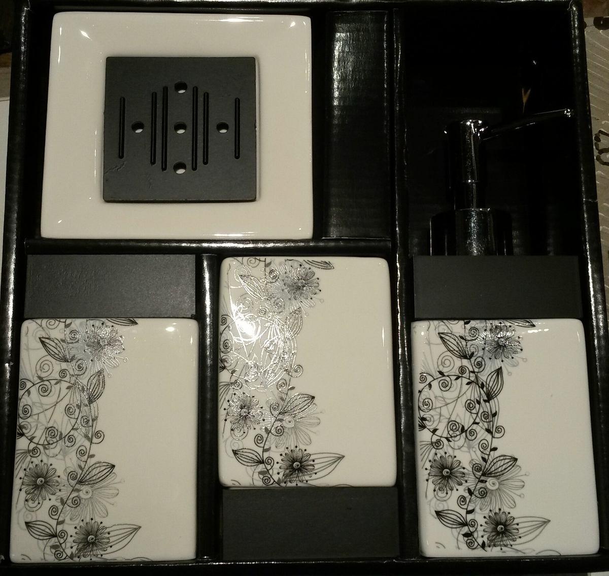 Set de 4 piezas de accesorios para ba o en loza selecta for Set de accesorios para bano
