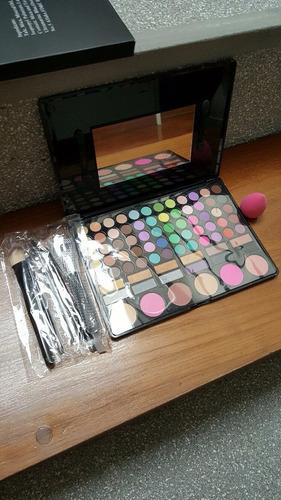 set de 6 pinceles de maquillajes + 72 colores marca ilovecos