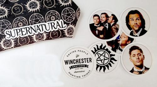 set de 6 stickers circulares de supernatural dean sam castie