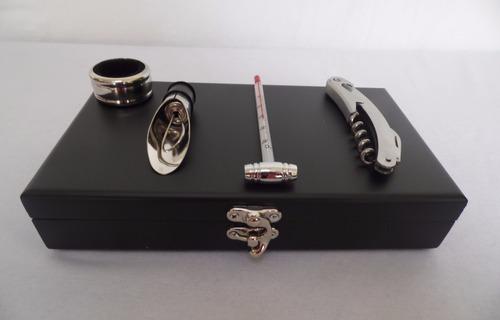 set de  accesorios para vino en caja de madera