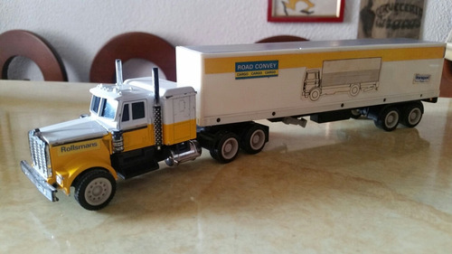 set de camiones de colección volvo,isuzu, peterbilt