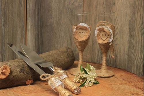 set de copas y cuchillería para bodas