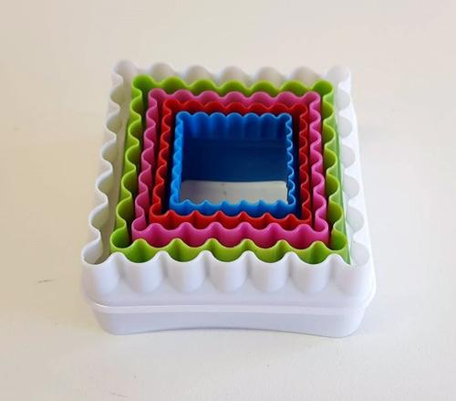 set de cortates cuadrados x 5 unidades lisos y con ondas.