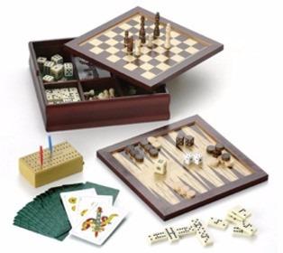set de juegos con logo