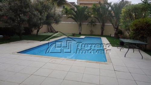 seu espaço é aqui! amplo quintal e piscina.