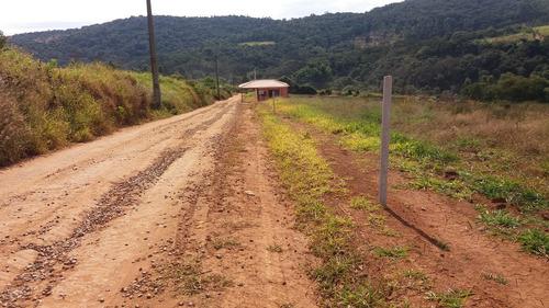 seu terreno prox do asfalto e comercios com 60% de infra j