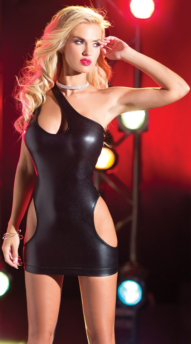 Marilyn yusuf in hot latex - 1 part 2