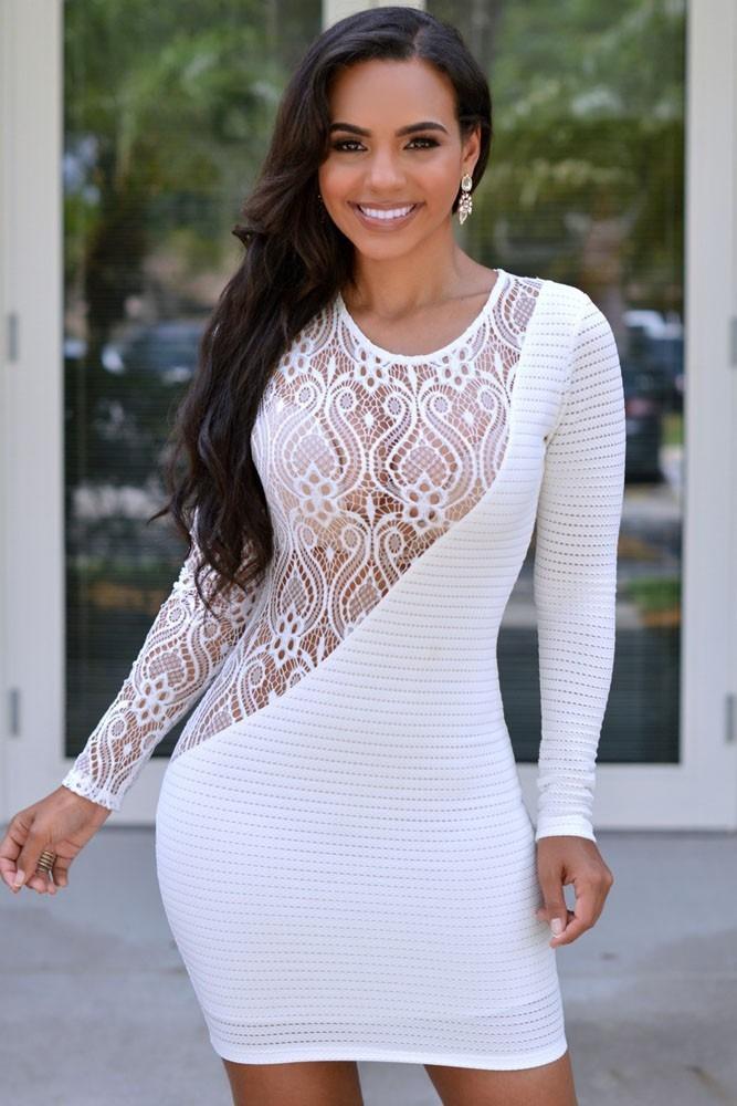 Vestido blanco de encaje manga larga