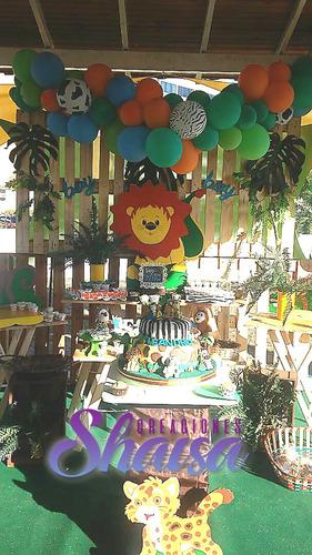 shaisa decoración con globos, candy bar en madera y vintage