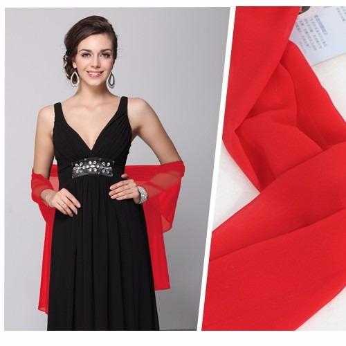 Vestido rojo con chal negro
