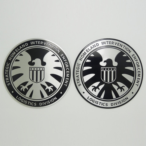 shield - emblema metal - old silver hawk