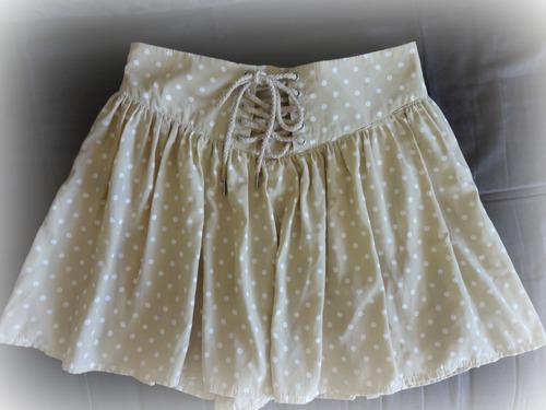 short falda con lunares