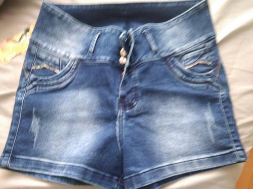 short jeans a la cintura de 3 botones en talla 40 a 75 soles