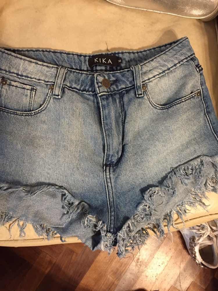 7493583cb4 short jeans kika corto flecos. Cargando zoom.