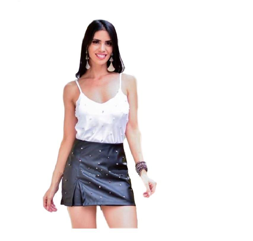705544d9a6a5 short saia couro fake feminino aplique perolas blogueiras. Carregando zoom.