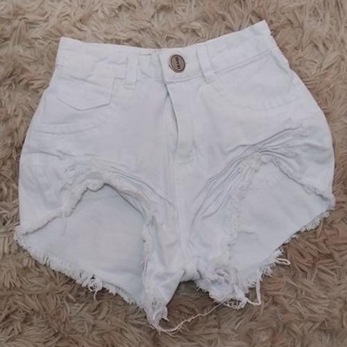 shorts jeans cos alto moda desfiada hot pants branco st012