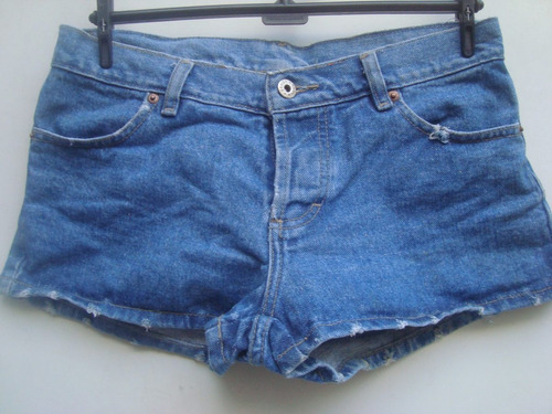 shorts jeans da clock house ( c&a) com brilhos tam 40