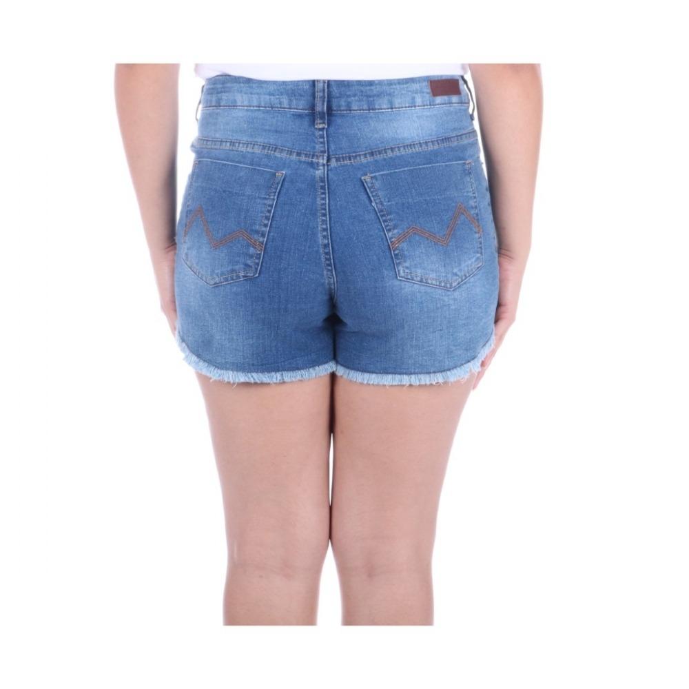 15a32256e1 shorts m.officer feminino em jeans blue wash barra desfiada. Carregando  zoom.