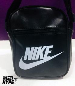 2593e1e16 Vestido Nike Adidas - Bolsas no Mercado Livre Brasil