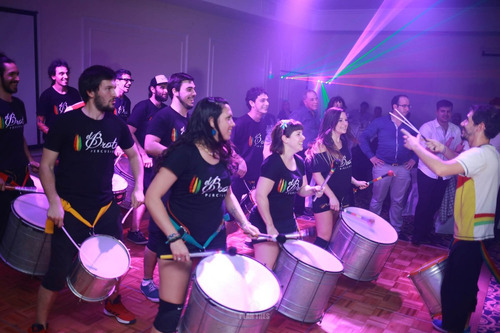 show batucada y percusion con bailarinas eventos