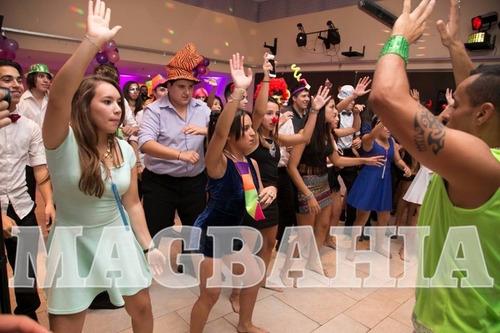show brasilero, batucadas en vivo, mulatas, capoeira, humor