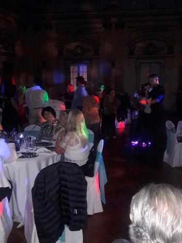 show cantante profesional melódico y latino, mas karaoke