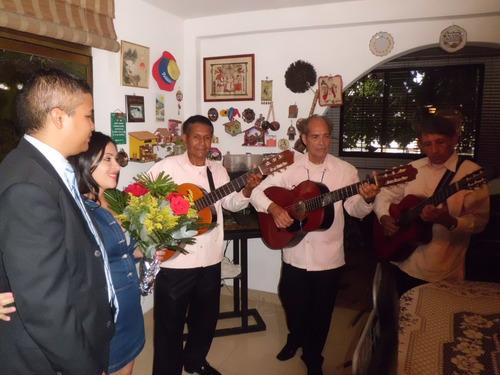 show de boleros serenata voces y guitarras ( trio romantico
