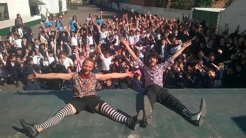 show de circo, recepciones, zanquistas
