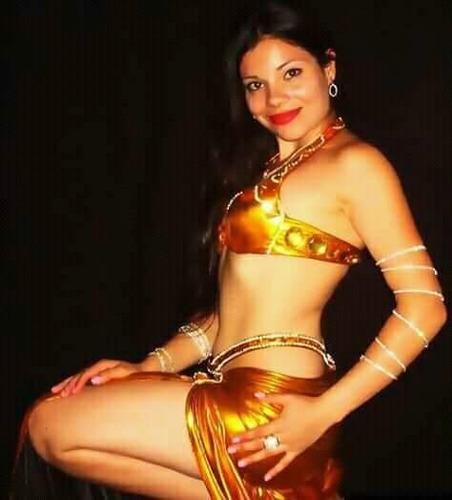 show de danzas árabes. odalisca profesional