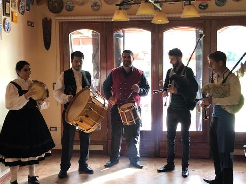 show de música gallega con gaitas